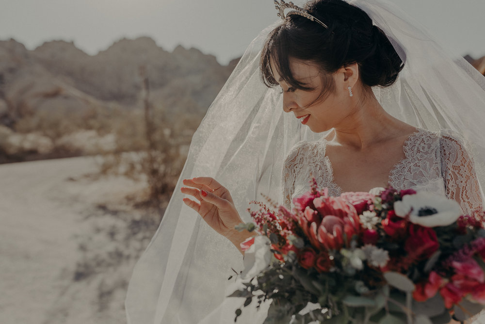 © Isaiah + Taylor Photography - Long Beach Wedding Photographer - Joshua Tree Elopement-051.jpg