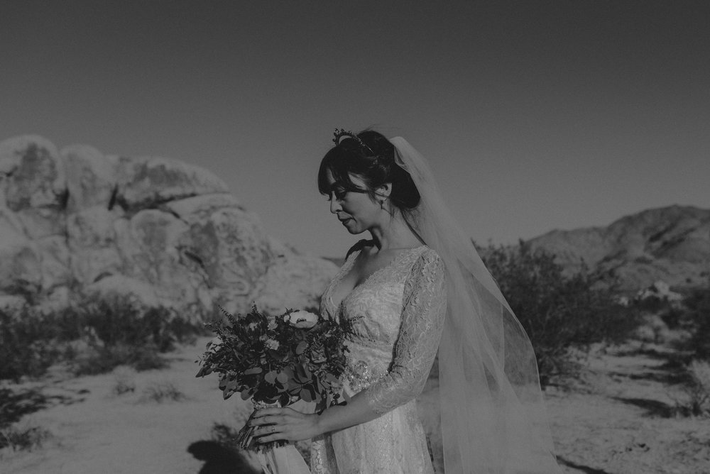 © Isaiah + Taylor Photography - Long Beach Wedding Photographer - Joshua Tree Elopement-052.jpg