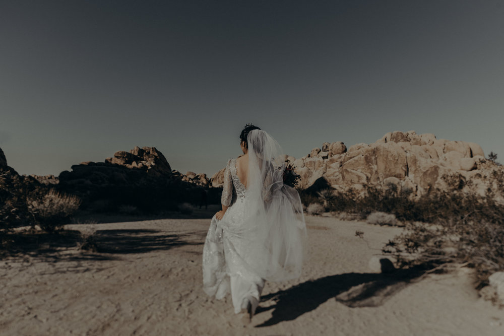 © Isaiah + Taylor Photography - Long Beach Wedding Photographer - Joshua Tree Elopement-053.jpg