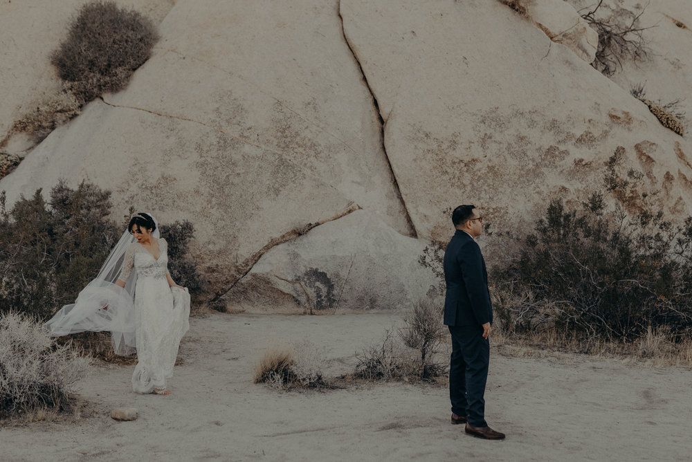 © Isaiah + Taylor Photography - Long Beach Wedding Photographer - Joshua Tree Elopement-054.jpg