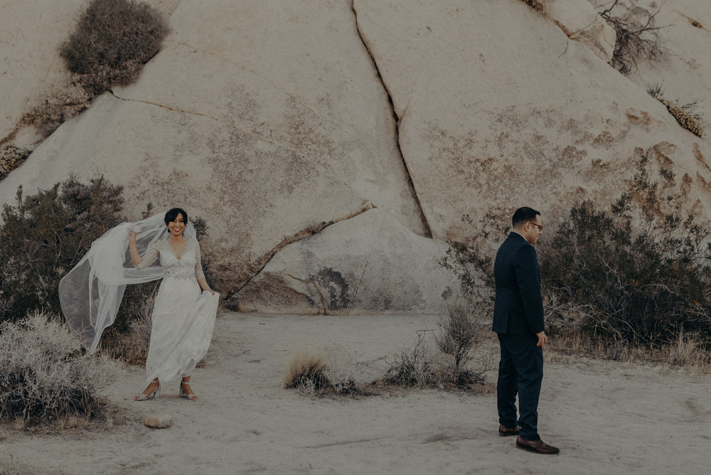 © Isaiah + Taylor Photography - Long Beach Wedding Photographer - Joshua Tree Elopement-055.jpg
