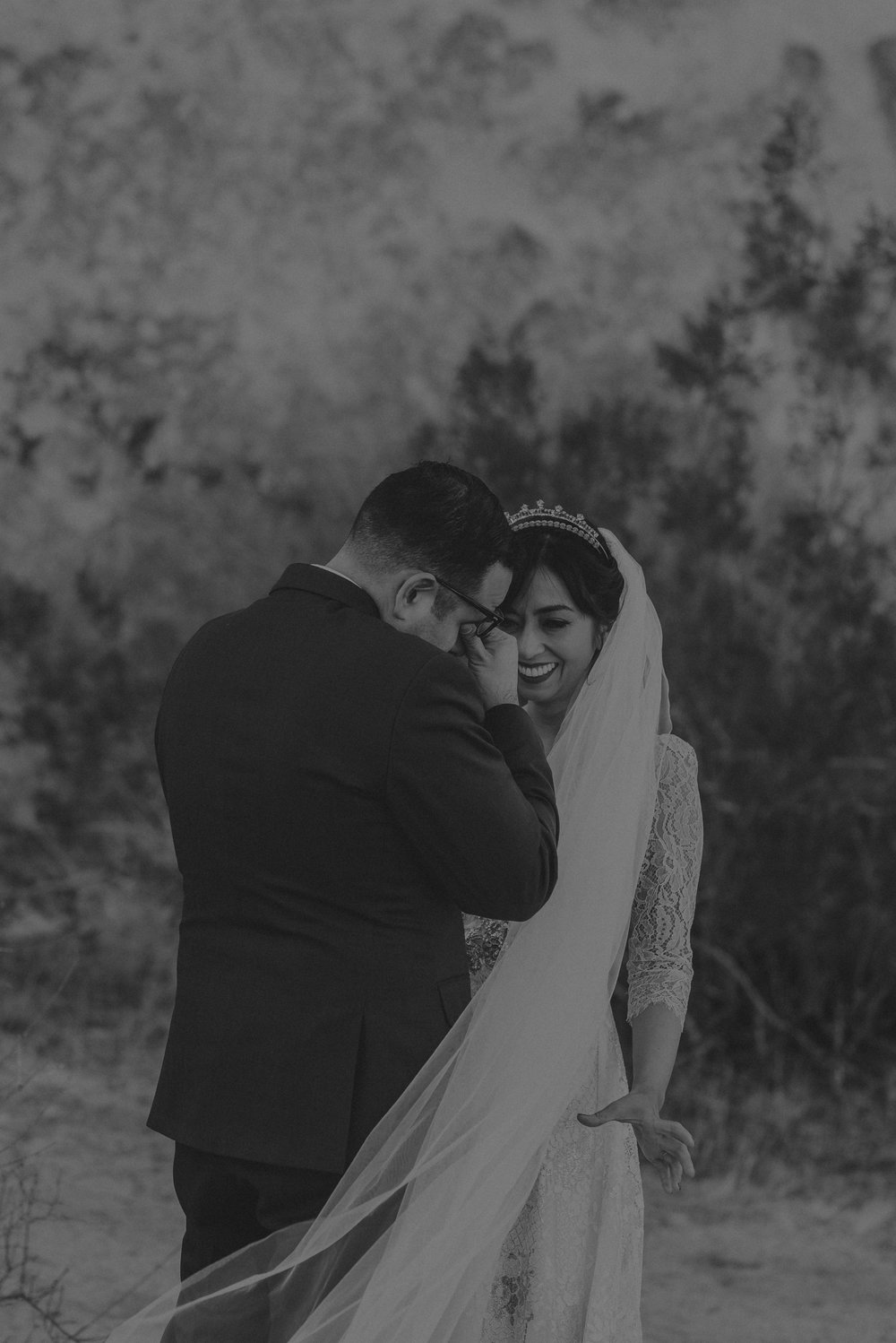 © Isaiah + Taylor Photography - Long Beach Wedding Photographer - Joshua Tree Elopement-061.jpg