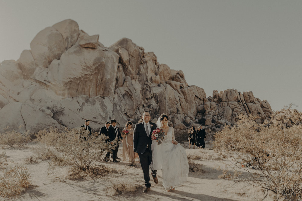 © Isaiah + Taylor Photography - Long Beach Wedding Photographer - Joshua Tree Elopement-071.jpg