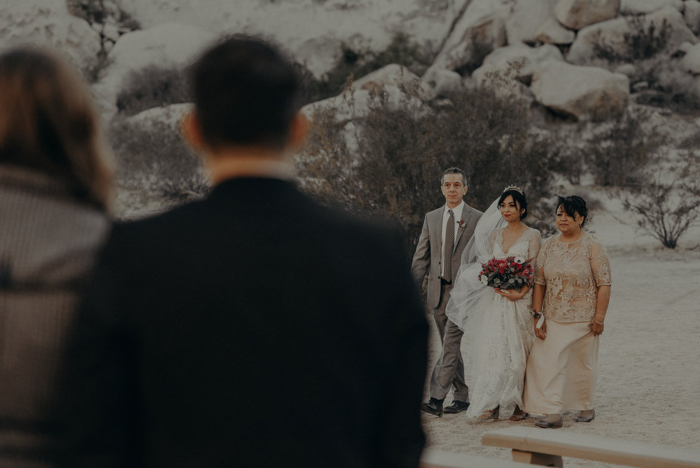© Isaiah + Taylor Photography - Long Beach Wedding Photographer - Joshua Tree Elopement-078.jpg