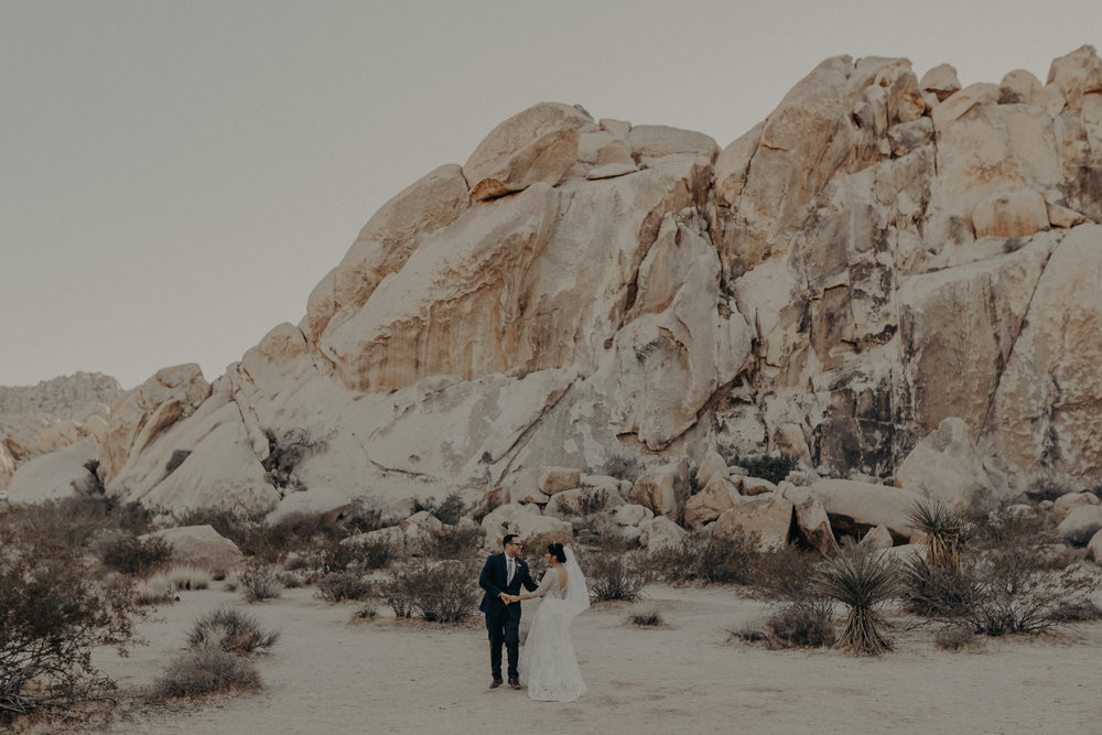 © Isaiah + Taylor Photography - Long Beach Wedding Photographer - Joshua Tree Elopement-096.jpg