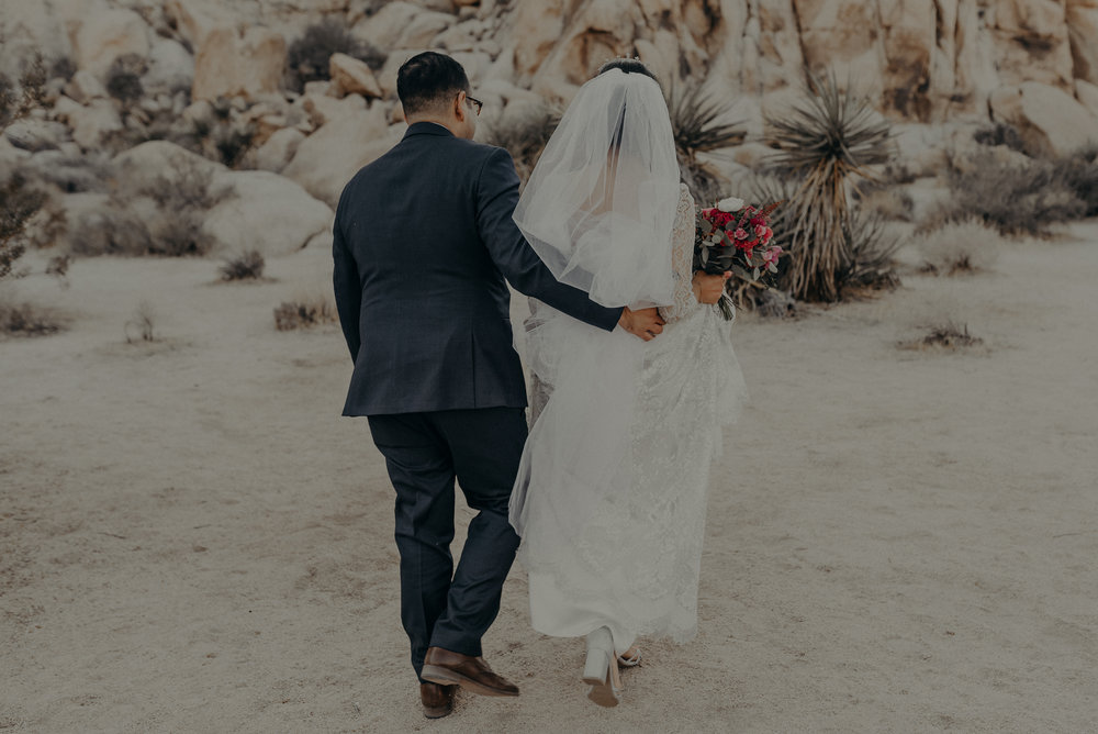 © Isaiah + Taylor Photography - Long Beach Wedding Photographer - Joshua Tree Elopement-098.jpg