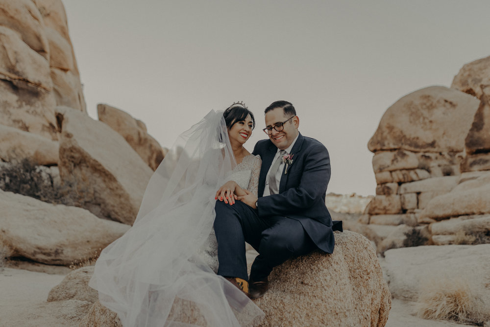 © Isaiah + Taylor Photography - Long Beach Wedding Photographer - Joshua Tree Elopement-110.jpg