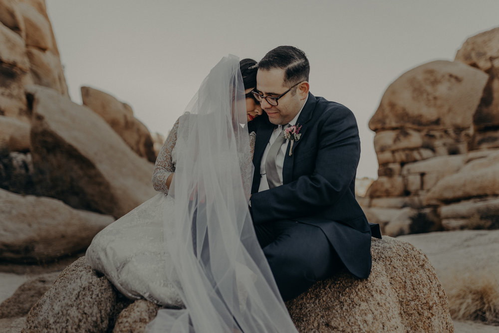 Joshua tree elopement, Indian cove wedding photographer