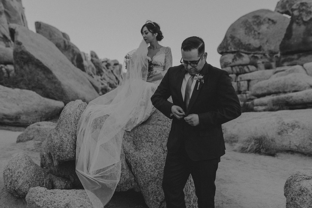 © Isaiah + Taylor Photography - Long Beach Wedding Photographer - Joshua Tree Elopement-114.jpg