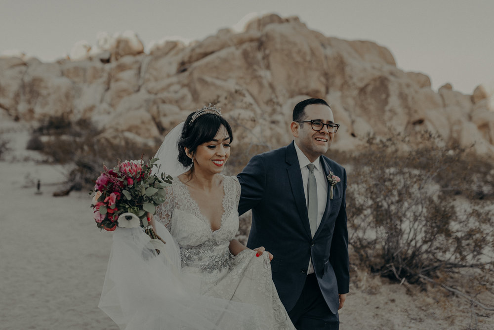 © Isaiah + Taylor Photography - Long Beach Wedding Photographer - Joshua Tree Elopement-128.jpg