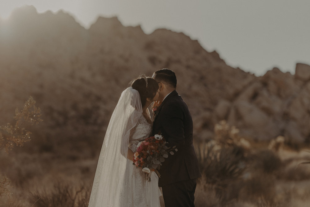 © Isaiah + Taylor Photography - Long Beach Wedding Photographer - Joshua Tree Elopement-150.jpg