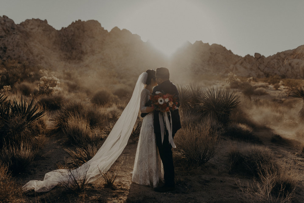 © Isaiah + Taylor Photography - Long Beach Wedding Photographer - Joshua Tree Elopement-144.jpg