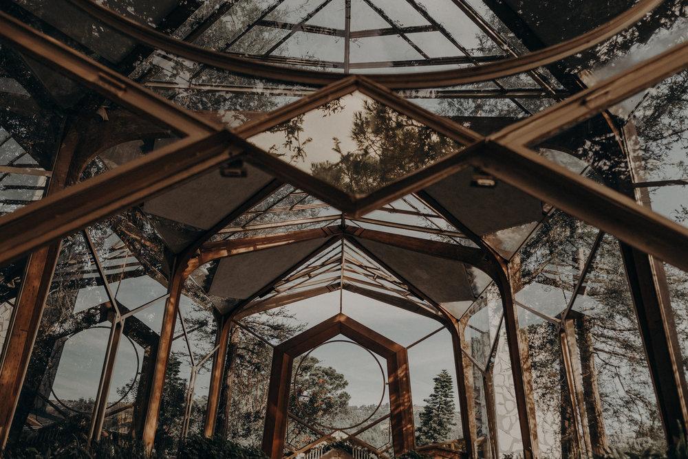Isaiah And Taylor Photography - Los Angeles Wedding Photographers - La Venta Inn venue - Wayfarers Chapel-021.jpg