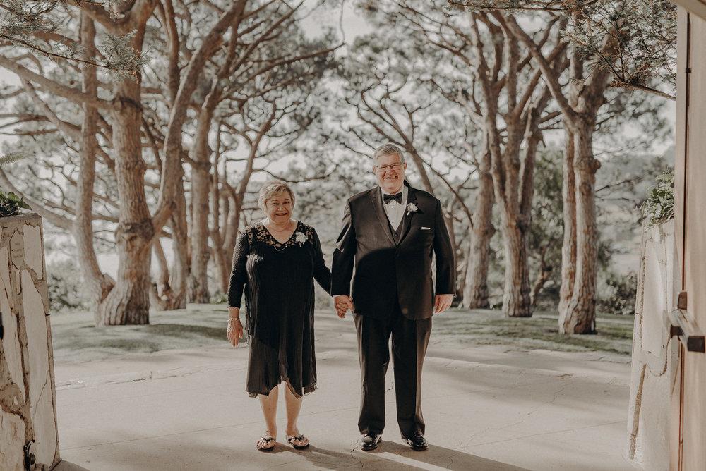 Isaiah And Taylor Photography - Los Angeles Wedding Photographers - La Venta Inn venue - Wayfarers Chapel-045.jpg