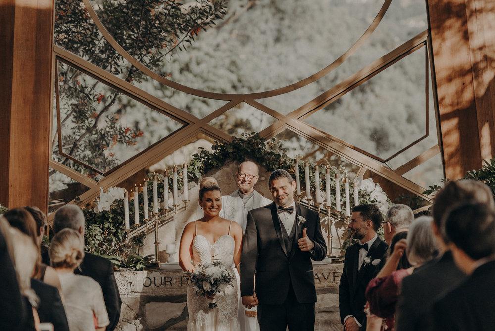 Isaiah And Taylor Photography - Los Angeles Wedding Photographers - La Venta Inn venue - Wayfarers Chapel-058.jpg