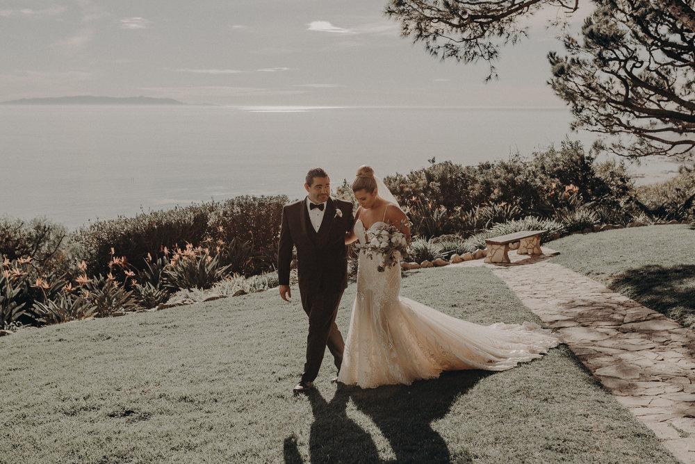 Isaiah And Taylor Photography - Los Angeles Wedding Photographers - La Venta Inn venue - Wayfarers Chapel-065.jpg