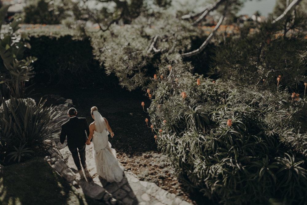 Isaiah And Taylor Photography - Los Angeles Wedding Photographers - La Venta Inn venue - Wayfarers Chapel-078.jpg