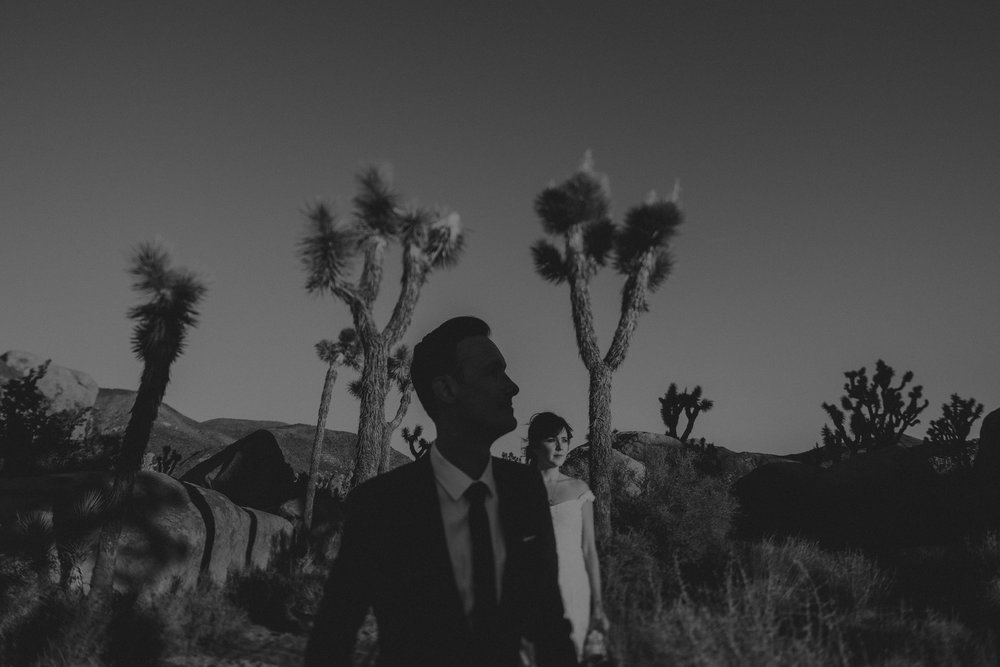 © Isaiah + Taylor Photography - Joshua Tree Elopement, Los Angeles Wedding Photographer-013.jpg