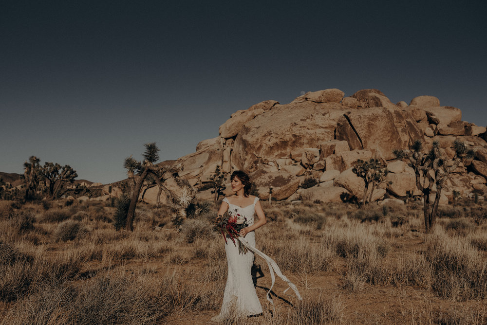 Joshua Tree Elopement - Los Angeles Wedding Photographers - IsaiahAndTaylor.com-006.jpg