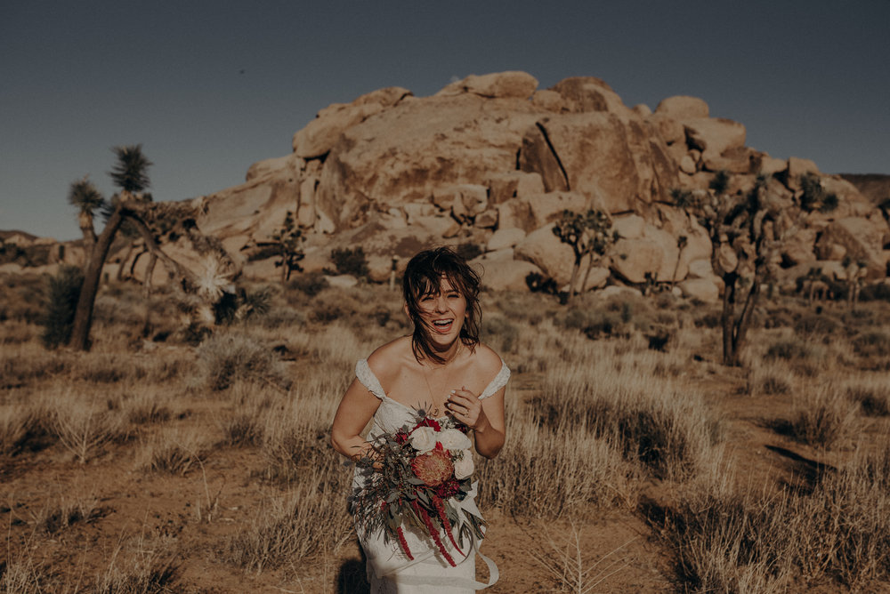 Joshua Tree Elopement - Los Angeles Wedding Photographers - IsaiahAndTaylor.com-007.jpg