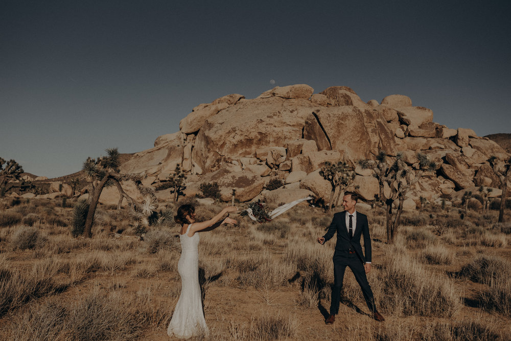 Joshua Tree Elopement - Los Angeles Wedding Photographers - IsaiahAndTaylor.com-013.jpg