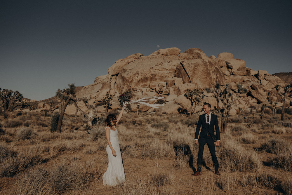 Joshua Tree Elopement - Los Angeles Wedding Photographers - IsaiahAndTaylor.com-014.jpg