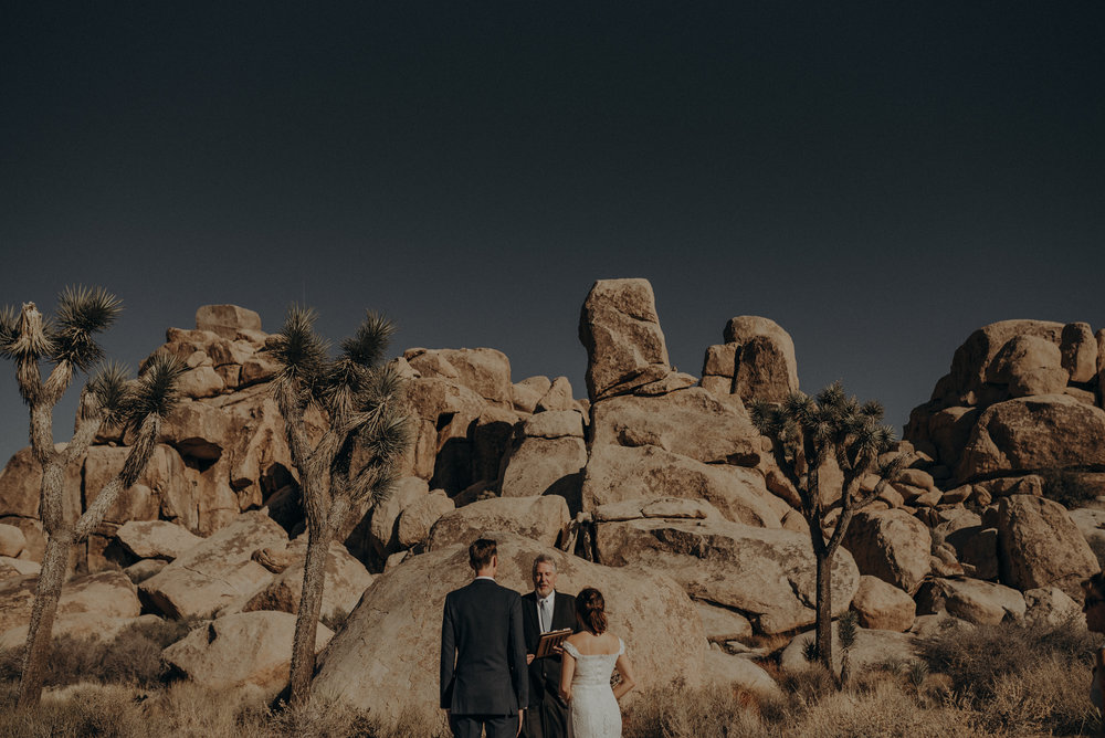 Joshua Tree Elopement - Los Angeles Wedding Photographers - IsaiahAndTaylor.com-022.jpg