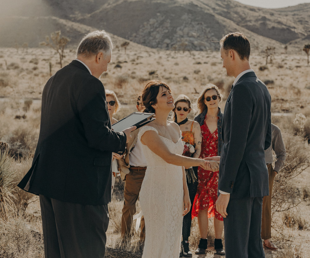 Joshua Tree Elopement - Los Angeles Wedding Photographers - IsaiahAndTaylor.com-025.jpg