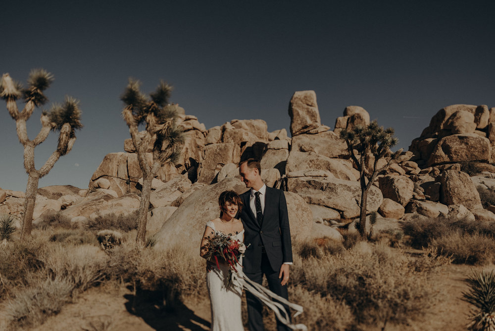 Joshua Tree Elopement - Los Angeles Wedding Photographers - IsaiahAndTaylor.com-039.jpg