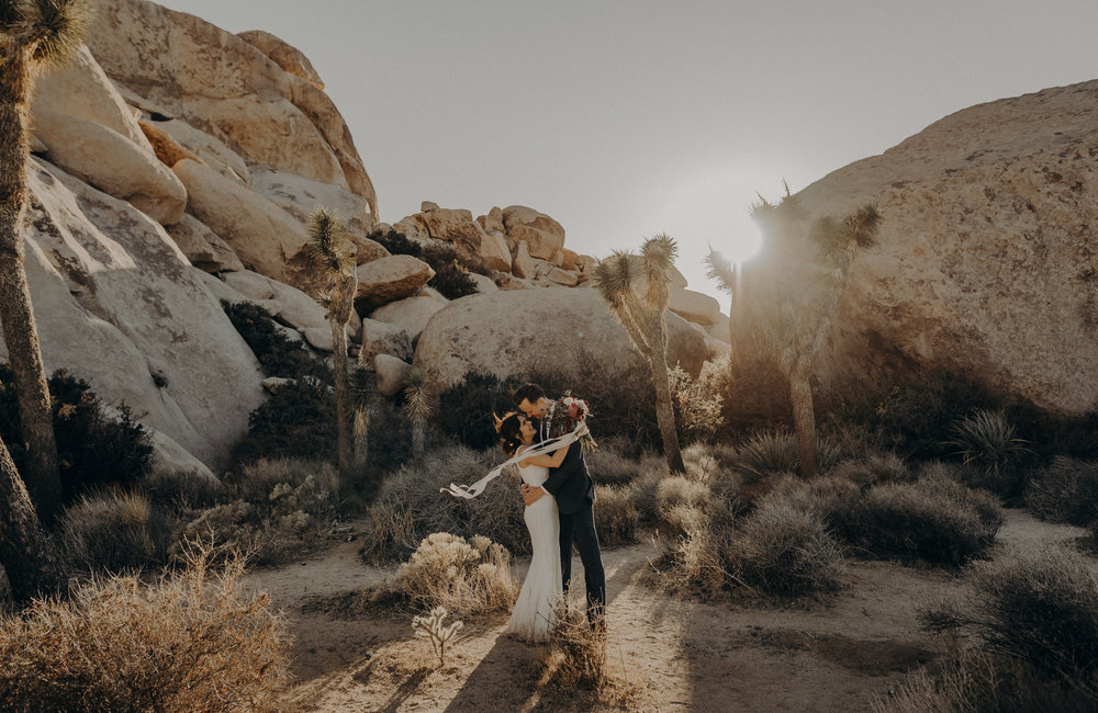 Joshua Tree Elopement - Los Angeles Wedding Photographers - IsaiahAndTaylor.com-058.jpg