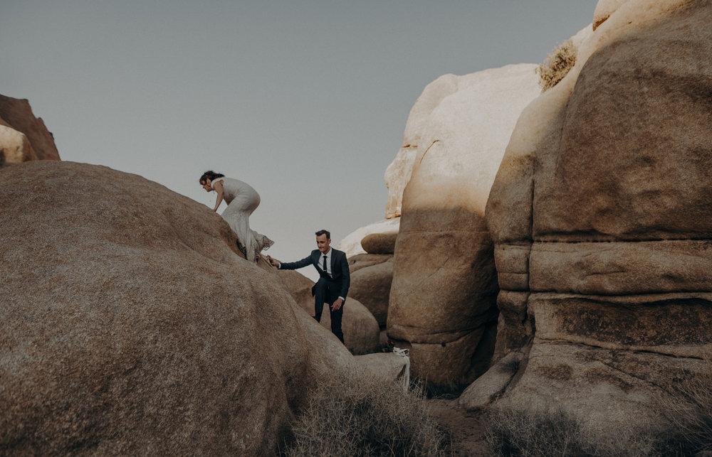 Joshua Tree Elopement - Los Angeles Wedding Photographers - IsaiahAndTaylor.com-065.jpg