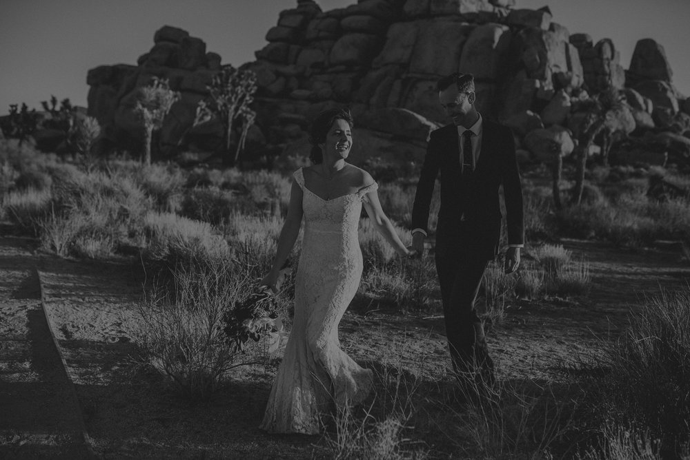 Joshua Tree Elopement - Los Angeles Wedding Photographers - IsaiahAndTaylor.com-092.jpg