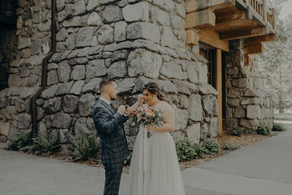 Los Angeles Wedding Photographers - Yosemite Destination Wedding Elopement - IsaiahAndTaylor.com -032.jpg