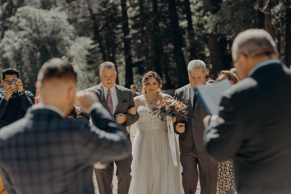 Los Angeles Wedding Photographers - Yosemite Destination Wedding Elopement - IsaiahAndTaylor.com -045.jpg