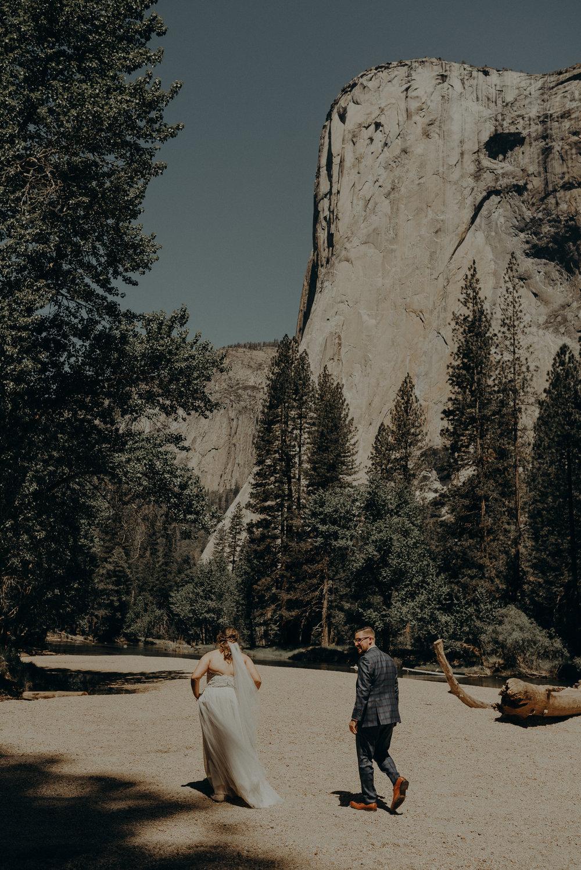 Los Angeles Wedding Photographers - Yosemite Destination Wedding Elopement - IsaiahAndTaylor.com -075.jpg