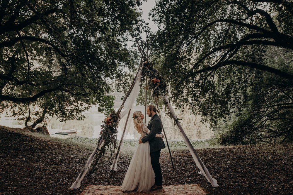 wedding photographer in Los Angeles, lake Leonard Ukiah wedding