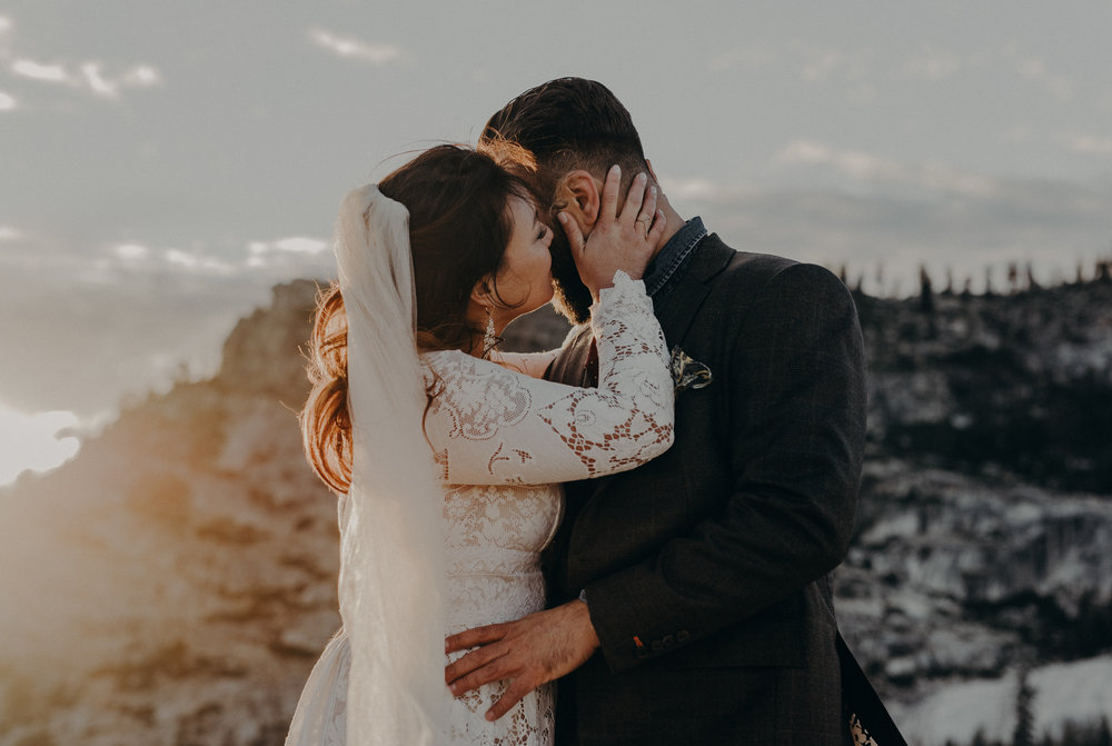 wedding photographer in Yosemite