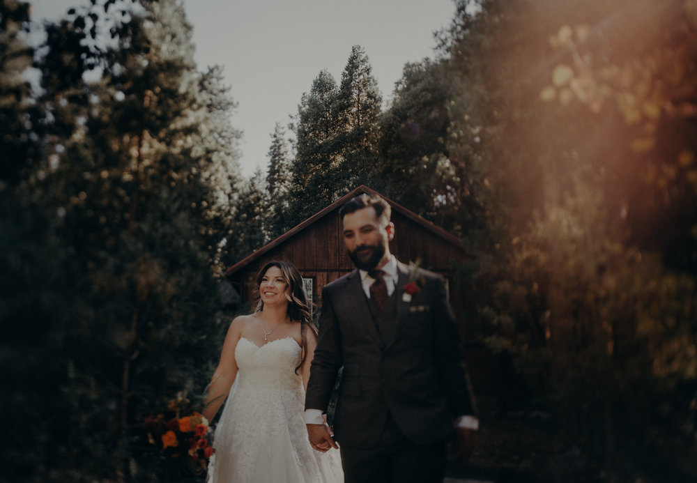 elopement photographer in Yosemite