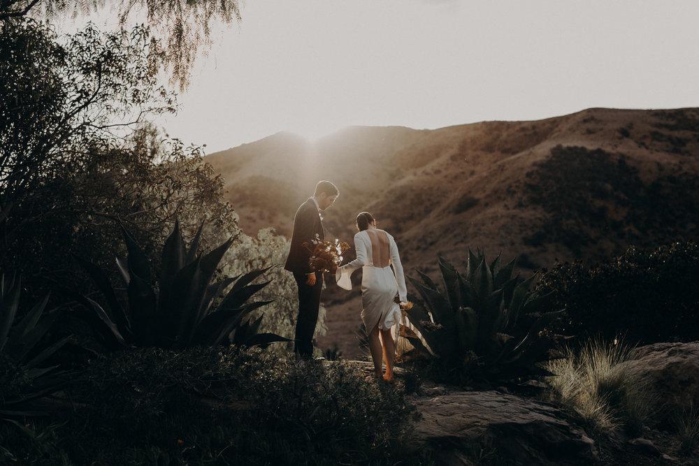 los angeles wedding photographer - hummingbird nest ranch wedding