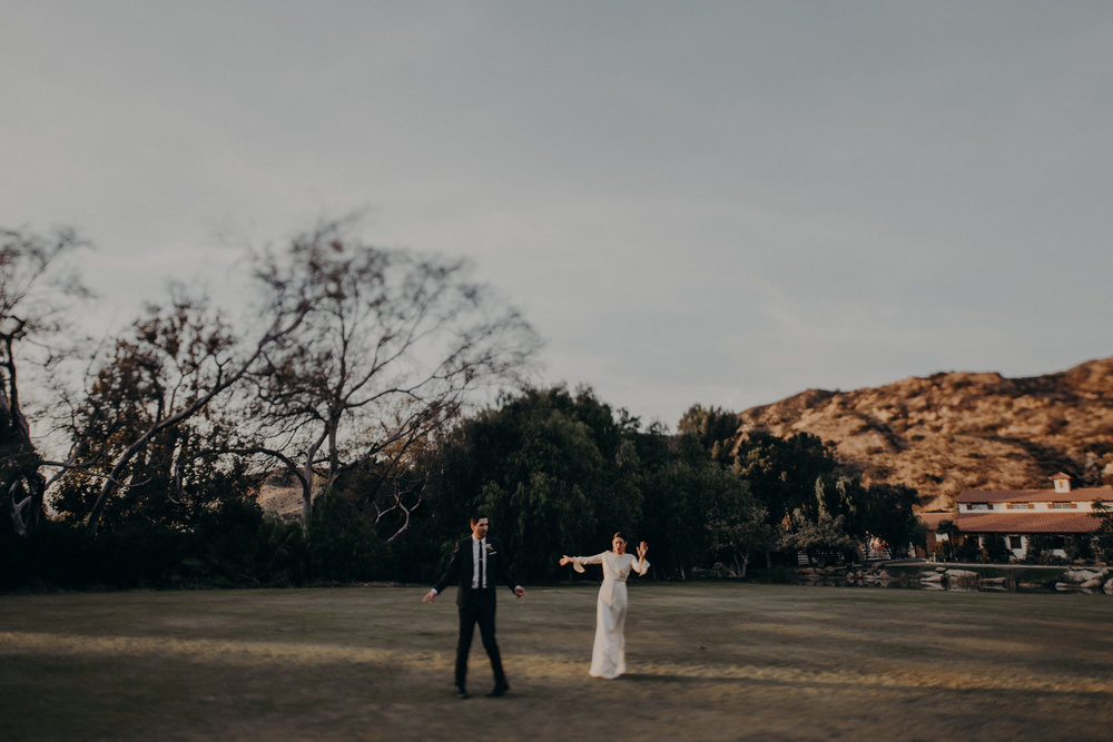 wedding photographer in los angeles, long beach wedding photographer , hummingbird nest ranch wedding venue