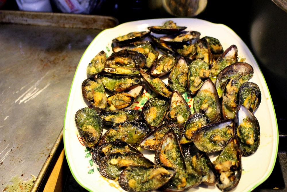 Garlicky Mussels