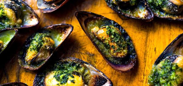 Mussels, Garlicky Herb Butter