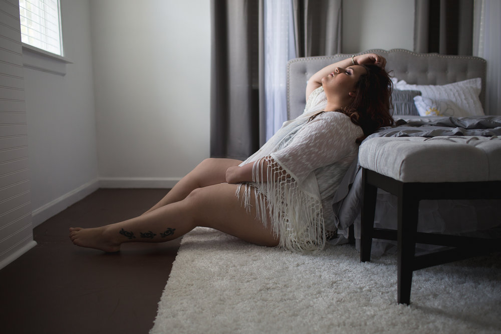 BOUDOIR POSING FOR WOMEN OVER 300 LBS | NICHOLE MARIE BOUDOIR | SEBASTIAN FLORIDA LUXURY BOUDOIR PHOTOGRAPHER