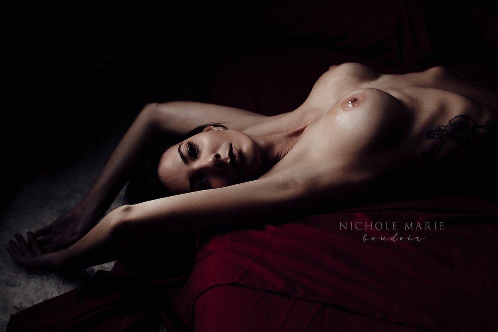 Side lit boudoir posing | Sebastian, Florida Boudoir Photographer | Nichole Maire Boudoir_0132.jpg