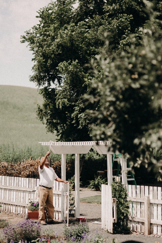 josh&oliviabackyardpullmanwedding010.JPG