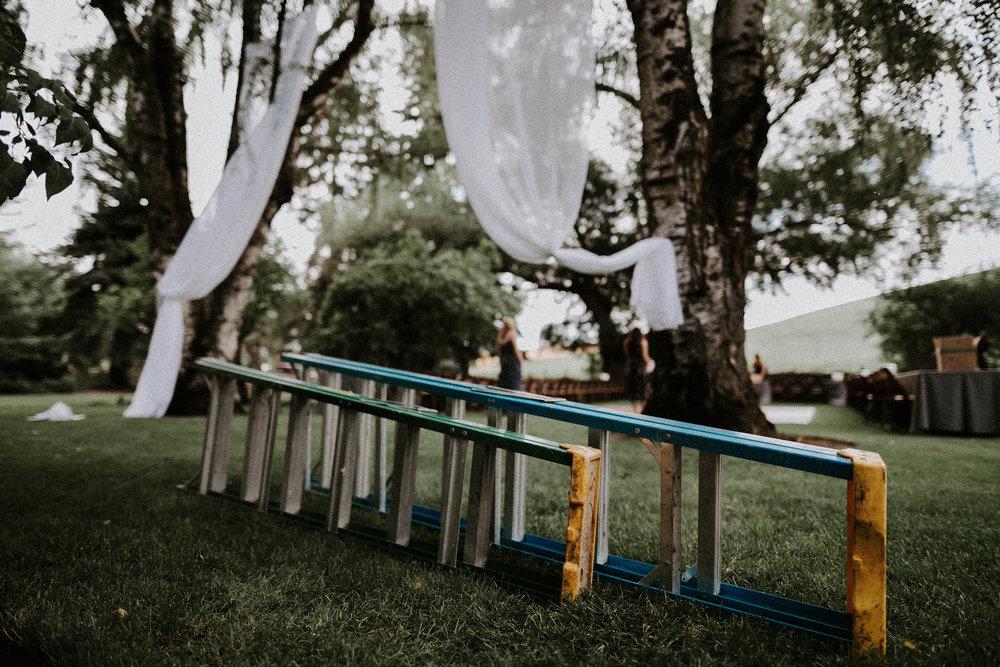 josh&oliviabackyardpullmanwedding028.JPG