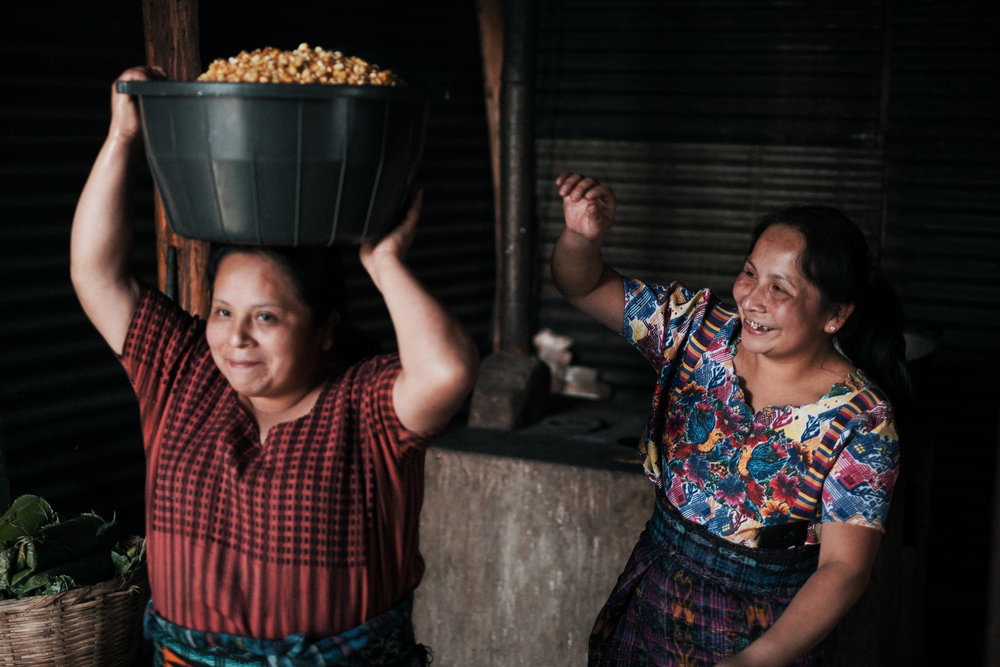 Roselia (Left) and Liliana (Right) working together to prepare the chuchitos.