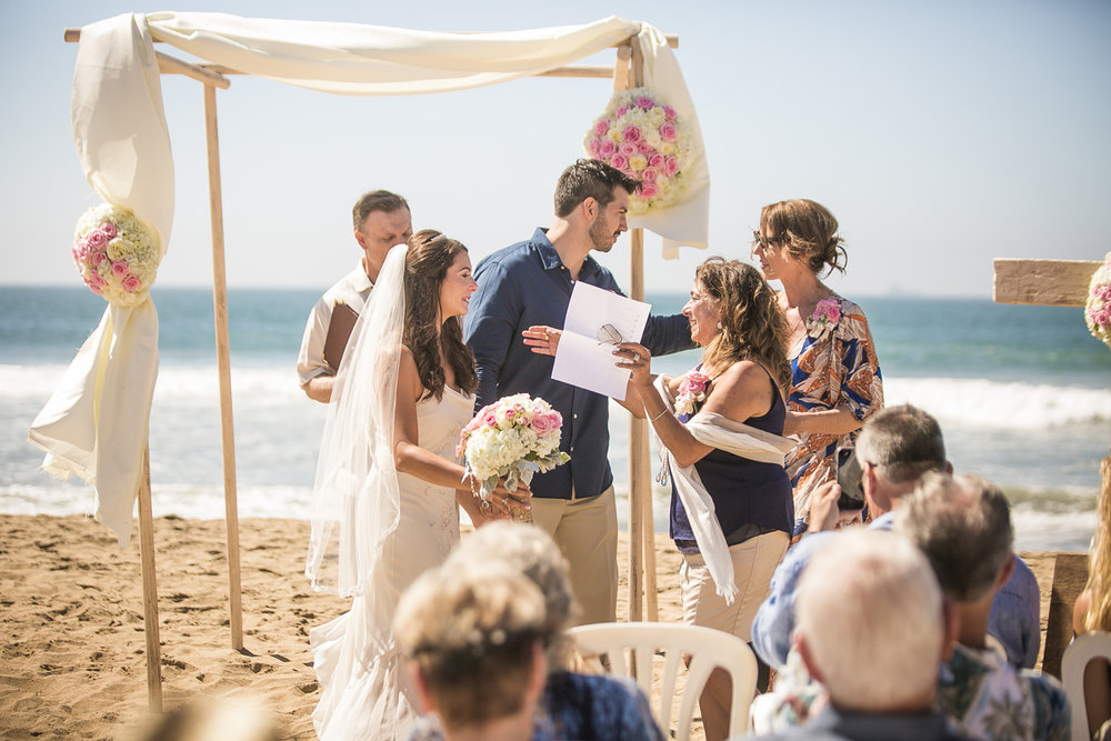 408-OC-beach-wedding.jpg