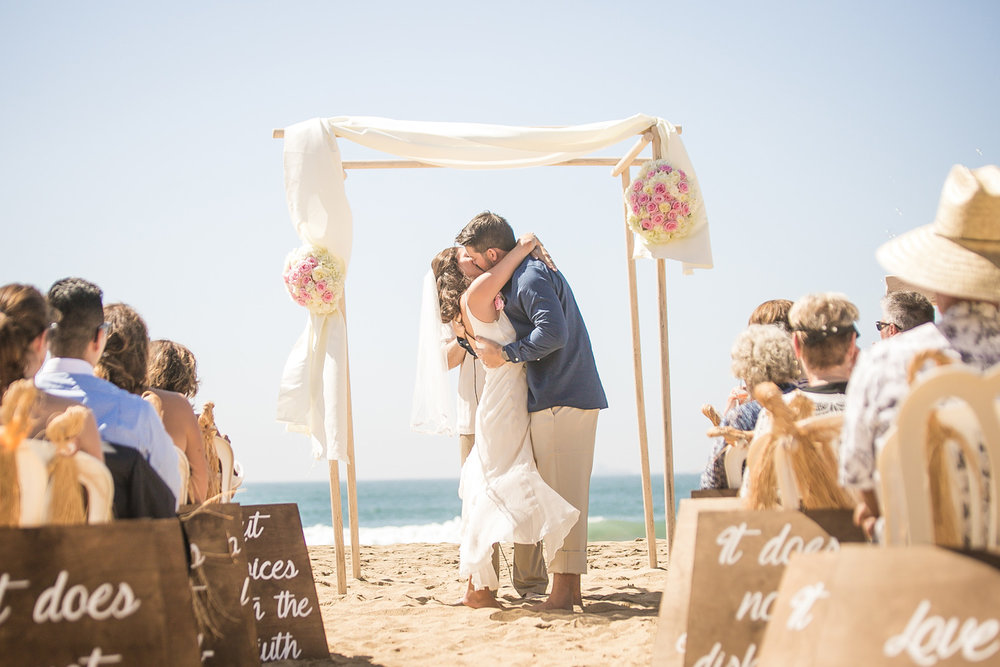 422-OC-beach-wedding.jpg