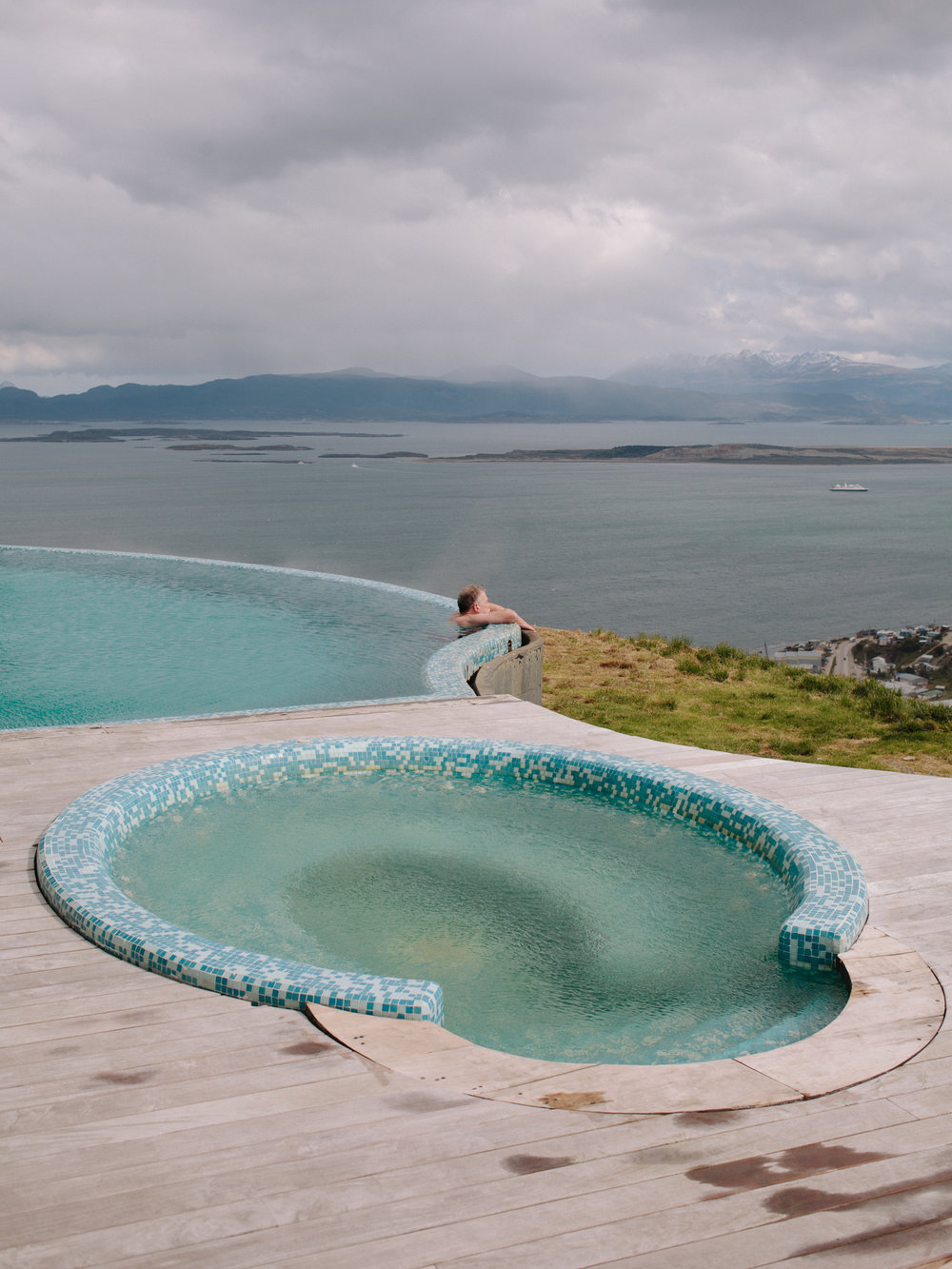 The external heated pool of 'Arakur' hotel overlooks the entire Beagle Channel. A standard double-room here costs around 500$ per night.